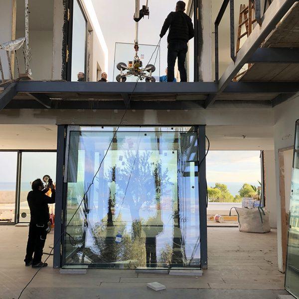 Foto de instalación de ventanles inteligentes de Smart Llobet.