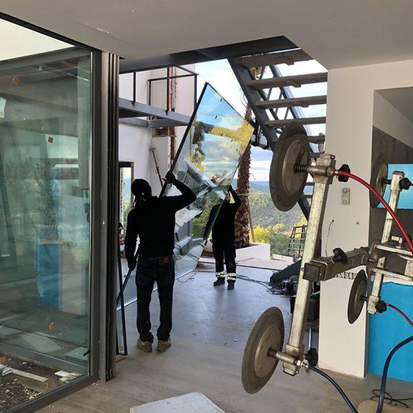 Imagen de instalación de paredes de vidrio